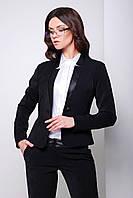 Укороченный черный женский пиджак на одну пуговицу с кожаной отделкой