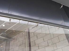 """Декоративный фриз над стеклянными витринами торговых бутиков. Материал - композитный лист, крепление - невидимое. ТРЦ """"Проспект"""", г. Киев"""