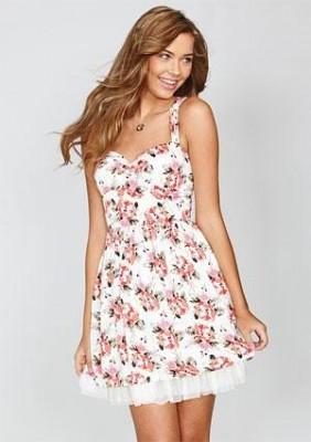 Платье на лето должно быть из натуральной ткани