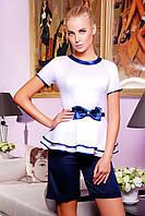 Блуза Бонни к/р белая с отделкой и бантом из синей атласной ткани приталенная с двойным воланом баской