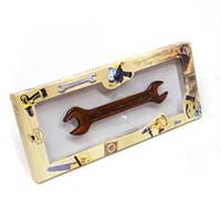 Сувенирный подарок мужчине. Шоколадный гаечный ключ