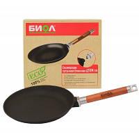 Сковорода блинная Биол: диаметр 24см, бортик 2 см, 1,62 кг, съемная деревянная ручка