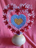 Сердечко ручной работы из бисера. Размер 37х47 см