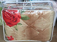 Полуторное одеяло из овечьей шерсти Лери Макс розы на бежевом фоне