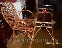 Меблі плетені з столом зі скла