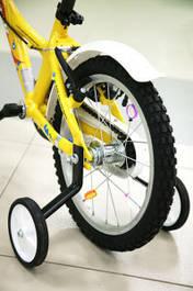 Допоміжні колеса на дитячі велосипеди