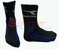 """Носки """"DIADORA"""".Цвет:чёрный с синими полосками."""