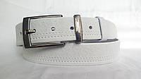 Кожаный ремень 35 мм белого цвета рисунок пряжка и тренчик - комплект классический чернёного цвета