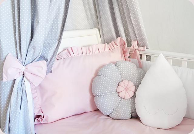 Пледы, покрывала, одеяла, подушки