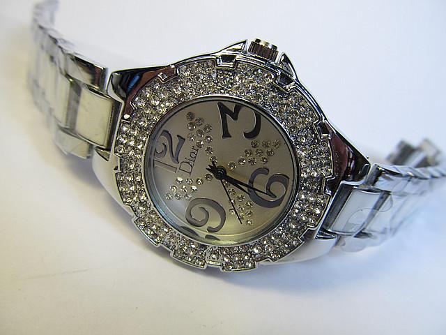 Женские наручные часы (кварц)