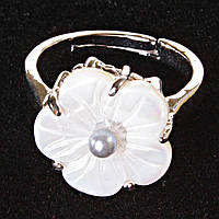 Кольцо без р-р  цветок серая бусина Перламутр резной