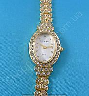 Часы King Girl 9535 женские овальные золотистые на белом циферблате в стразах, фото 1