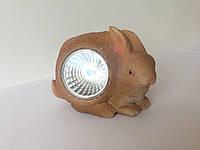 Газонный светильник на солнечной батарее кролик