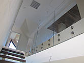 Цельностеклянные ограждения на лестницы, фото 3