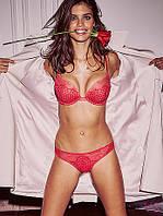 Красные трусики-танга Victoria's Secret