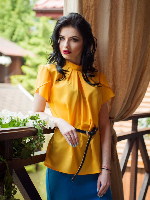 Ошатна жіноча шифонова блузка