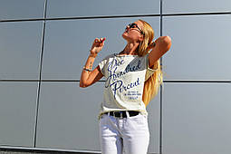 Желтая футболка от бренда ANN
