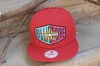 Бейсболка красная с надписью