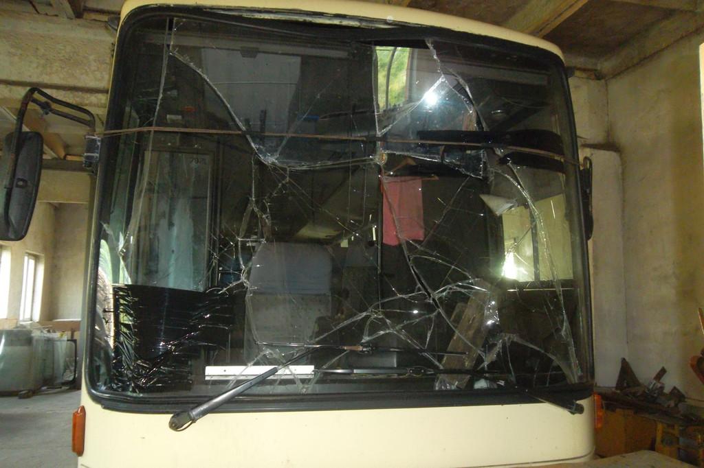 Замена лобового стекла на автобусе Van Hool Alizee 2