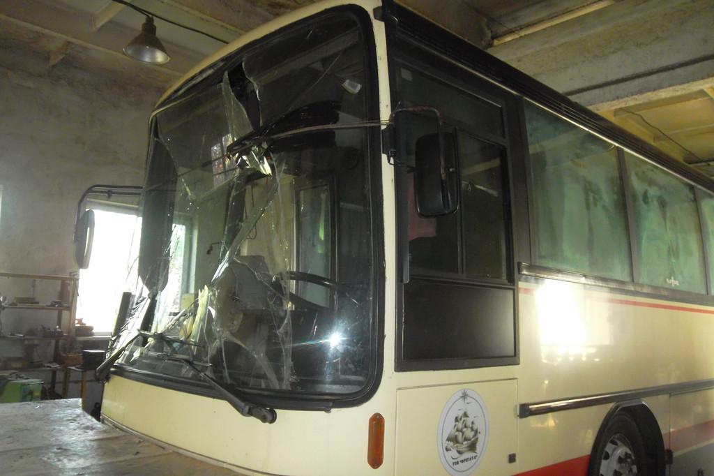 Замена лобового стекла на автобусе Van Hool Alizee 3