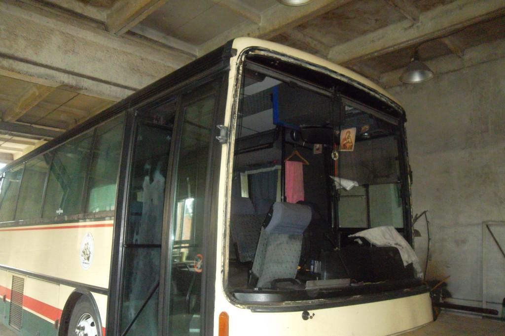 Замена лобового стекла на автобусе Van Hool Alizee 4