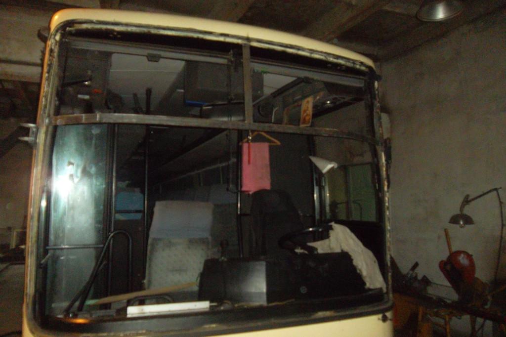 Замена лобового стекла на автобусе Van Hool Alizee 6