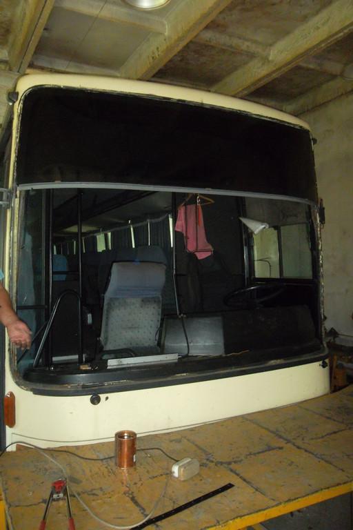 Замена лобового стекла на автобусе Van Hool Alizee 12