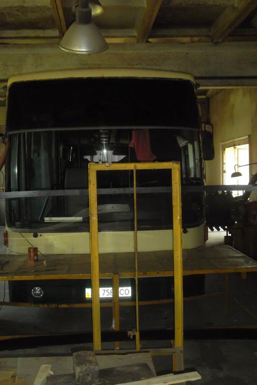 Замена лобового стекла на автобусе Van Hool Alizee 13