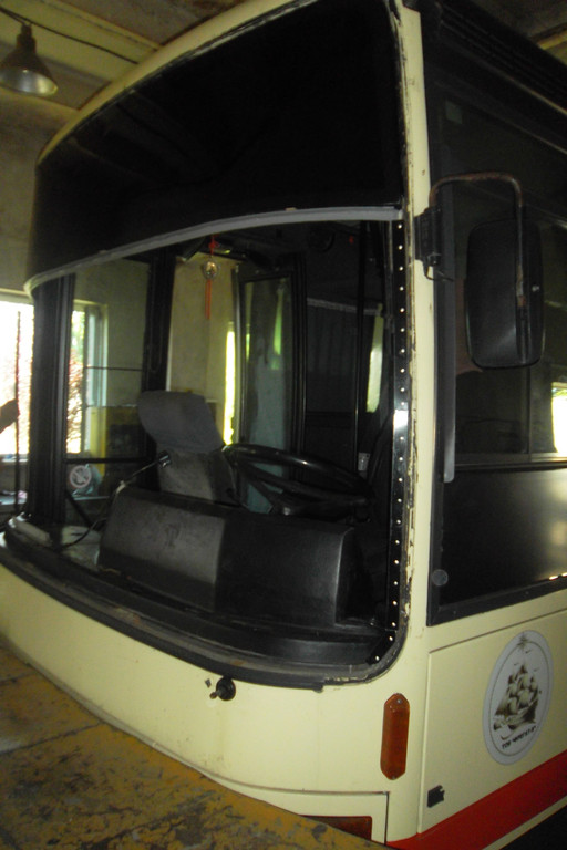 Замена лобового стекла на автобусе Van Hool Alizee 15