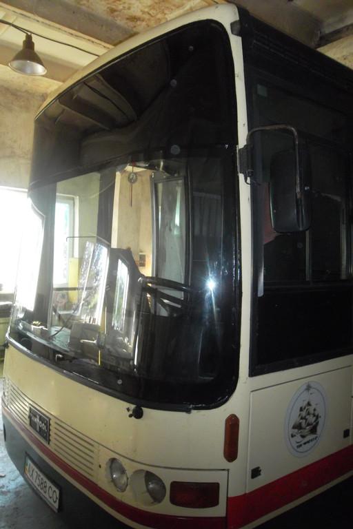 Замена лобового стекла на автобусе Van Hool Alizee 18