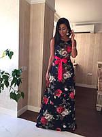 Длинное красивое платье с ярким поясом