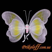 Крылья бабочки, огромные белые