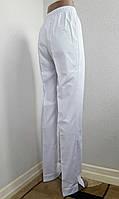 Белые штаны медицинские