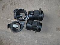 Расходомер воздуха 2.5 DCI 06- OPEL Vivaro 00-10 (ОПЕЛЬ ВИВАРО)