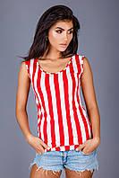 Красно-белая полосатая футболка
