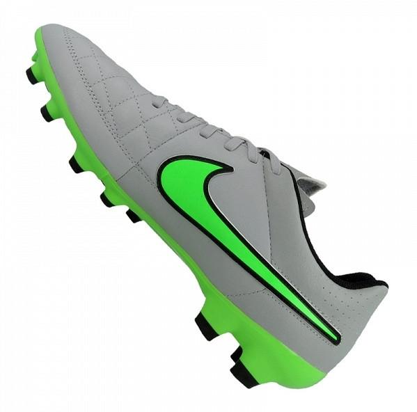 Nike Tiempo Genio