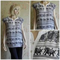 Блузка с орнаментом слоны, короткий рукав