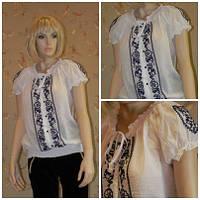 Блузка белая с коротким рукавом и вышивкой