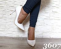 Туфли лодочка белые