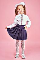 Белая школьная блузка с вышивкой