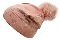 Женская шапка нежно розового цвета