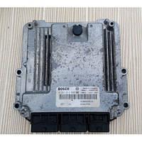 Электронный блок управления 2.0 dci  8200823728 Renault Trafic II Рено Трафик Трафік (2001-2013)