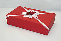 Коробка подарочная красная с декором