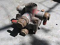Ускорительный клапан Bosch 0481026005 б/у на Mercedes, MAN, Iveco