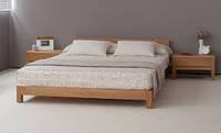 Деревянная кровать в восточном интерьере