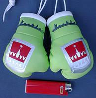 Брелок перчатки в автомобиль Москвич-АЗЛК  Зеленые, сувенир, брелок