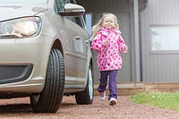 Ребенок в автомобиле: правила, гарантирующие безопасность