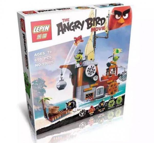 """Конструктор Angry Birds Lepin 19005 (реплика LEGO 75825) """"Пиратский корабль свинок"""", 650 дет"""