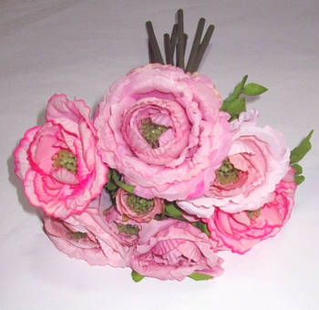 Букет сиренево-розовых ранункулюсов