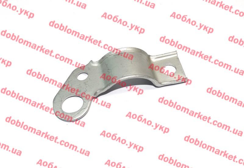 Скоба втулки переднего стабилизатора внутренняя левая Doblo 2000-2016 (OPAR), Арт. 46741681, 46741681, FIAT